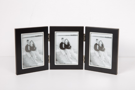 BLACK AND WHITE PHOTO FRAME SET 3