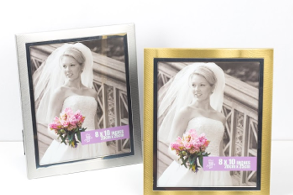 BLACK AND WHITE PHOTO FRAME SET 6